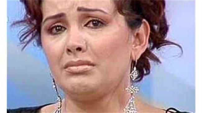 Esra Ceyhan boşandı!